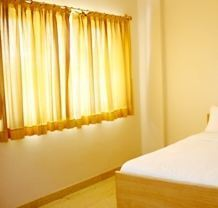 Single Bed Deluxe Room Rental Services