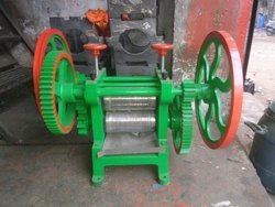 Manual Sugarcane Juice Machine in SS roller