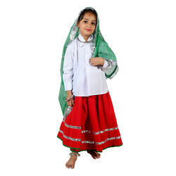 Folk Dresses, Size: Medium