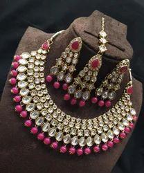 Apka Apna Fashion Female Kundan set