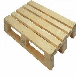 Rectangular 4 Way Four Way Wooden Pallet