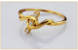 Center Bound Three Stone Diamond Ring