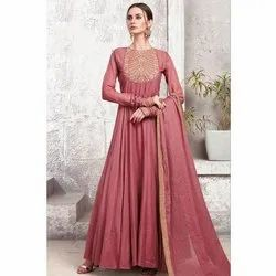 Tapeta Silk Party Wear Ladies Full Sleeves Designer Gown