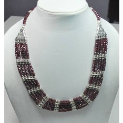 Casual Wear Garnet 925 Sterling Silver High Fashion Necklaces, Packaging Type: Box