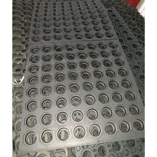 Black Rubber Hexagon Floor Mat Packaging Type Roll Piece