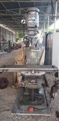 used milling machine turret type, Table Size: 700
