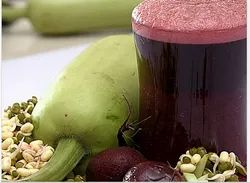 Sprouted Green Gram With Bottle Gourd & Beetroot
