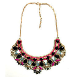 Glass And Pearl Ladies Trendy Necklace