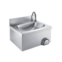 Knee Operated SS Hand Wash Sink