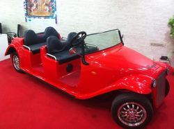 Red 6 Seater Battery Operated Vintage Car, Vintage Royal
