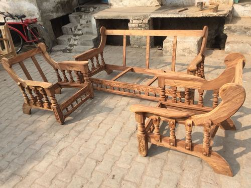 Sagaon Wood Sofa Set At Rs 6000/set | Lakdi Sofa Set, Lakdi The Furniture Co Sofa Set, वुडन सोफा सेट - Shahrukh Furniture, Bareilly | ID: 20291754491