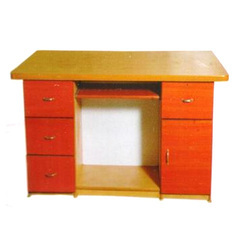 Rectangular Wooden OF-07 Office Table