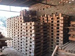 Four Way,Two Way Rectangular Safeda Wooden Pallets, For Industrial, Capacity: 1000-2000 Kg