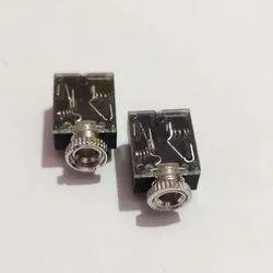 Aux 5 Pin Nut Type Socket