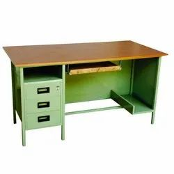 Green And Brown Rectangular Wooden Top Mild Steel Office Table, No. Of Drawers: 3, Size: 2.5 Feet