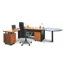 Maestro Premium Executive Table