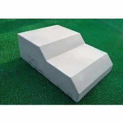 300x460x150mm RCC Kerb Stone