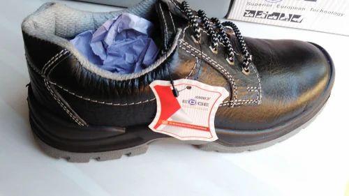 Udyogi Safety Shoes, Packaging Type