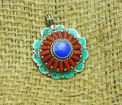 Fashion Nepali Handmade Gemstone Pendant