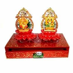 Wooden Lakshmi & Ganesha with Stand, Packaging Type: Box, for Interior Decor