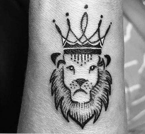 15 Stylish And Best King Tattoos Design Ideas With Pictures