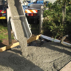 Self Compacted Ready Mixed Concrete, Packaging Type: Loose