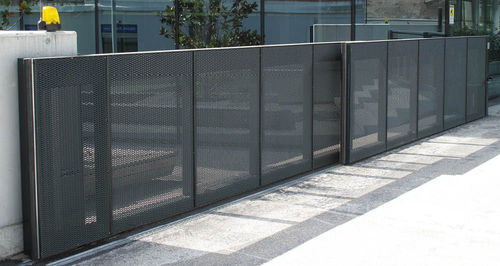 Automatic Telescopic Gates At Rs 300 Square Feet