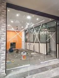 Transparent Plain Glass Toughened Glass Window, For Commercial Building, Thickness: 10.0 Mm