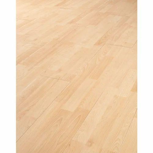 Bare Foot Hard Wooden Flooring Finish