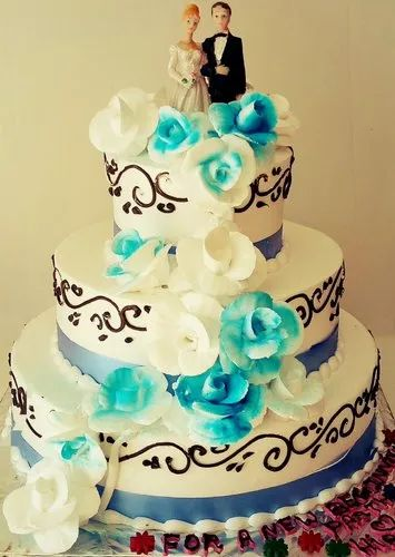 Three Tear Wedding Cakes.3 Tier Wedding Cake
