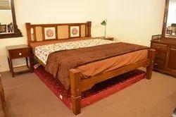 WOODEN TEAK WOOD BED