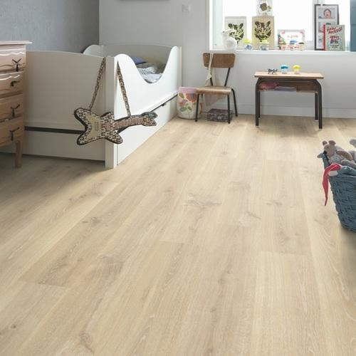 Beige Quickstep Tennessee Oak Light Wood Laminate Flooring, 7 Mm