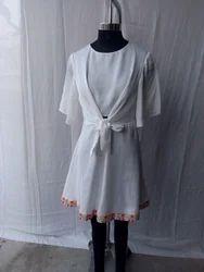 s k White Stylish body pleat western dress with full lining, Ledges