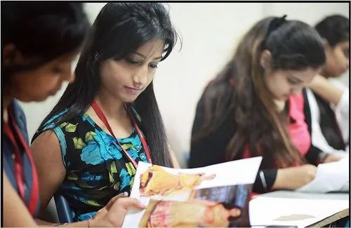 Fashion Designing Course School College Coaching Tuition Hobby Classes From Delhi