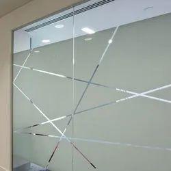 Transparent Interior Designer Glass, Size: 7x7 Feet
