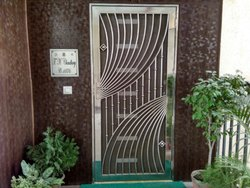 Metal Hinged stainless steel Safety/security doors, For Residential