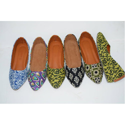 Ladies Platform Heel Fabric Juttis