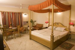 Royal Deluxe Rooms Rental Services