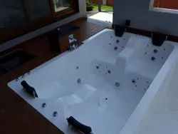 4 Seater Economical Massage Tub