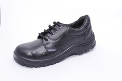 Black Indcare Pega Steel Toe Safety Shoe