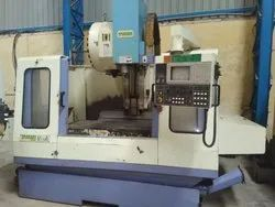 Used & Old Takumi-v11a Vertical Machine Center
