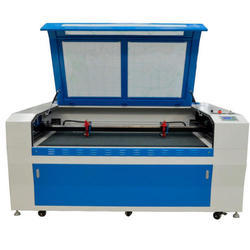 Automatic CO2 Laser Cutting Machine