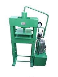 Semi Automatic Slipper Cutting Machine