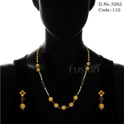 Traditional Antique Pearl Necklace Set