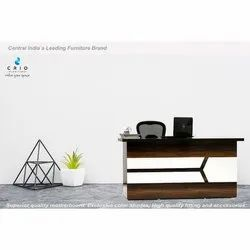 CRIO Rectangular Office Exclusive Wooden Table, Size: 2.5x4.5 Feet