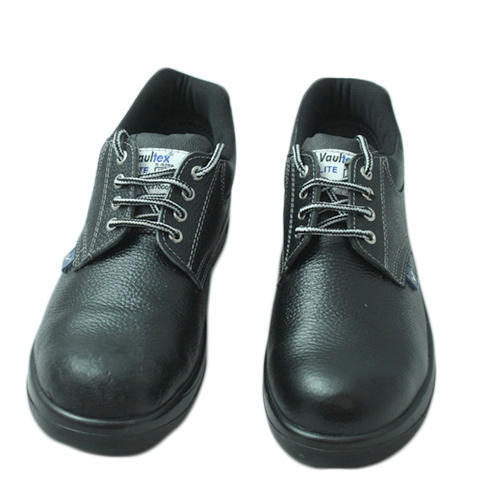 Leather Vaultex Safety Shoes, For Labs/Hospitals | ID: 14954365048
