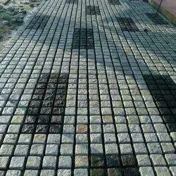 Cobble stone paving blocks