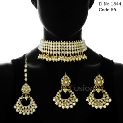 Traditional Kundan Pearl Choker Necklace Set With Tikka