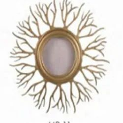 Iron And Glass Gold Metal Wall Mirror, Packaging Type: Box, Mirror Shape: Round