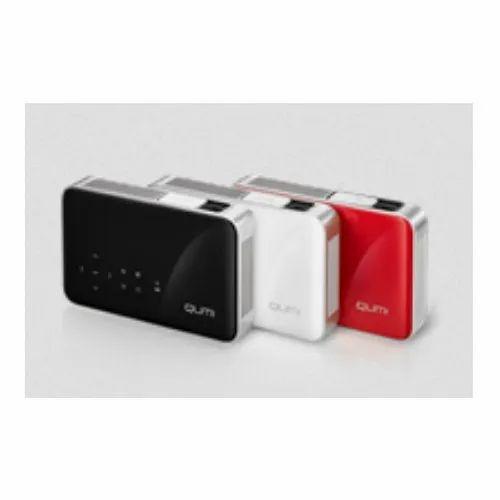Vivitek Qumi Q38 Pocket and Personal Projectors